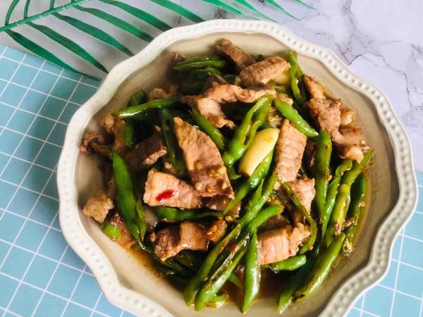 青椒炒肉这样做青椒辣脆肉香四溢特别是用它腌肉