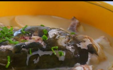 寻味扬州③:湾头江鲢鱼头豆腐汤和邵伯香肠