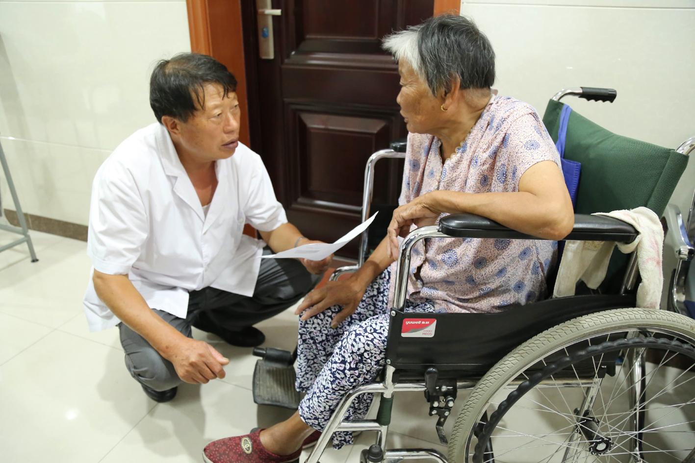 """51年扎根基层医疗卫生工作 他是村民健康""""守护神"""""""