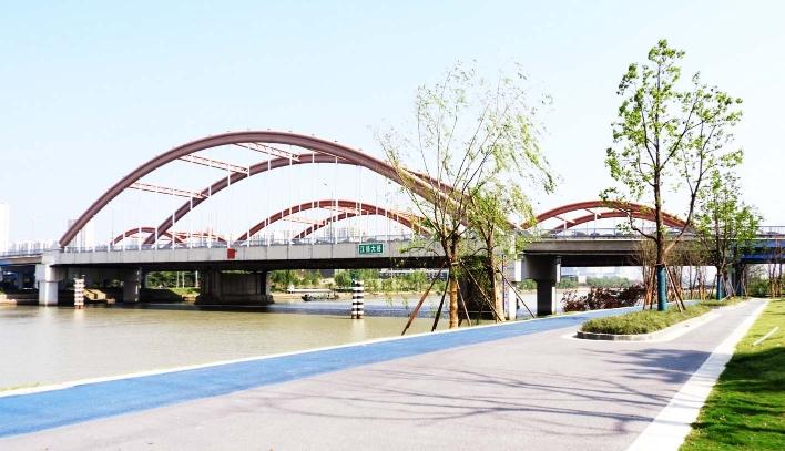 """旧貌变新颜 江扬大桥两岸变""""公园"""""""