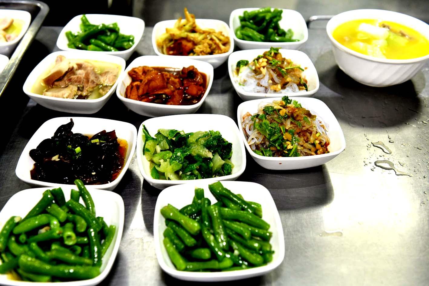 """""""小份菜""""供应 看市政府食堂如何做节约表率"""