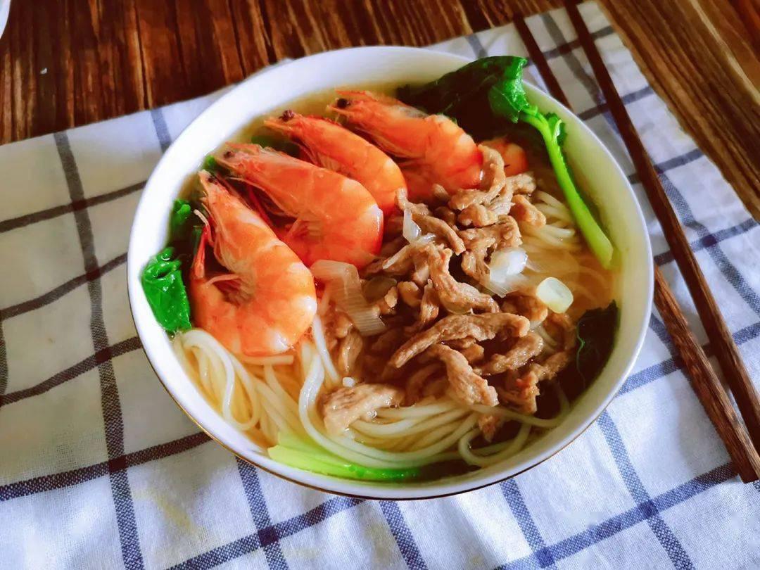 鲜虾肉丝面,清淡鲜香,食欲大开!