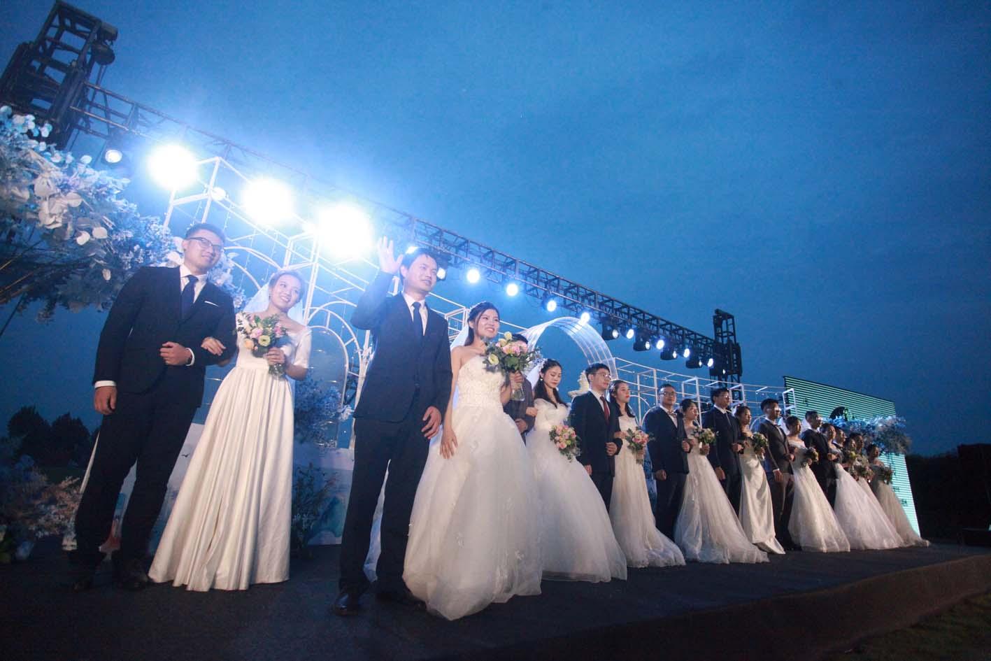"""10对医护新人集体婚礼:""""你是我今生最美的新娘"""""""