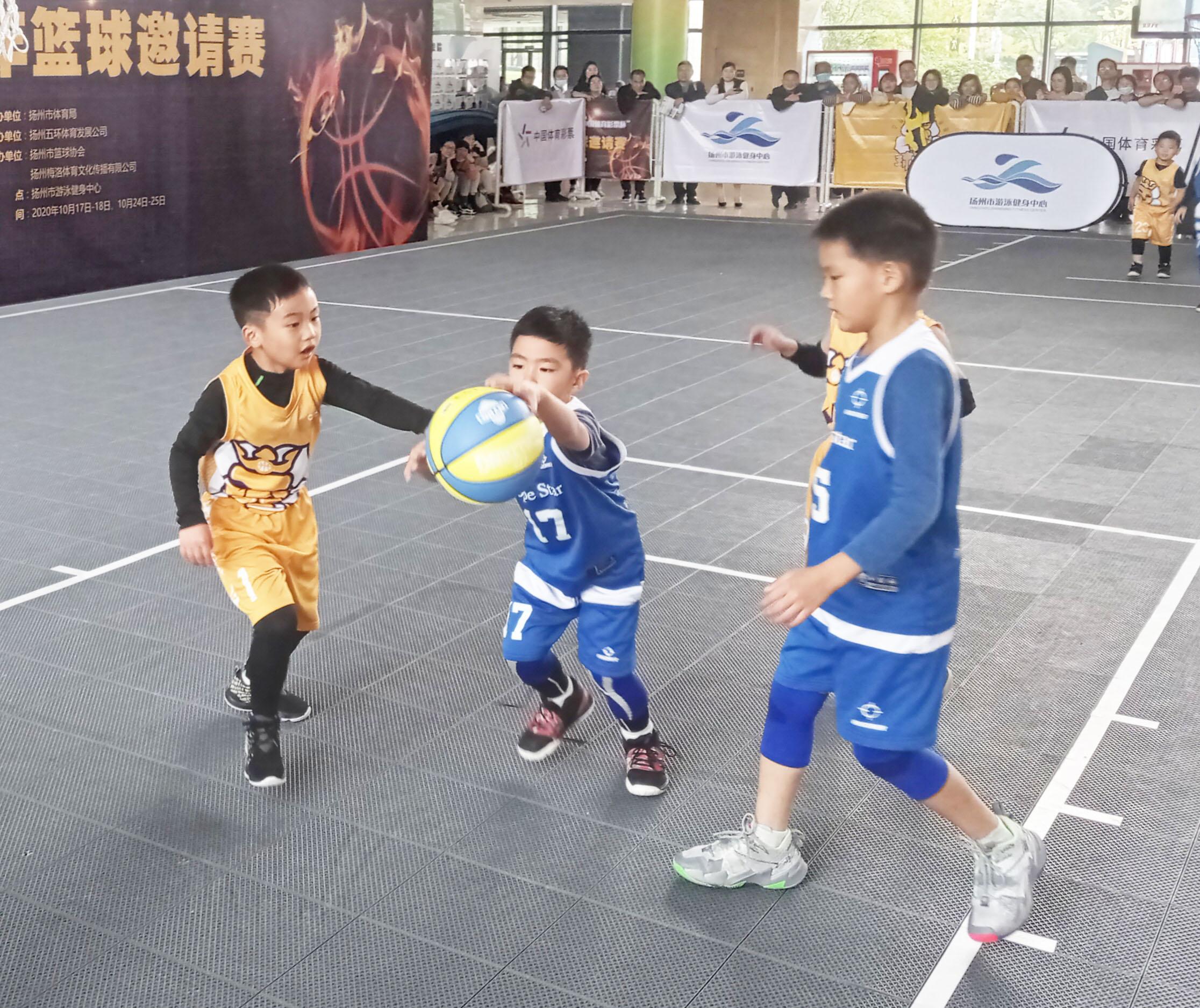 """扬州市青少年篮球邀请赛揭幕省""""双冠王""""亮相球场"""