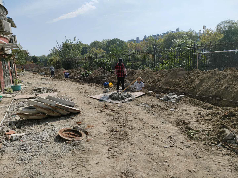 凤凰新村老小区改造南边靠河 下水管网如何改?