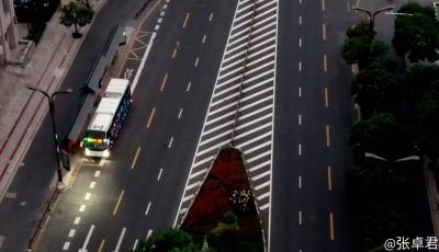 今天起扬州主城区81条公交线路恢复运营 最早一班公交发车