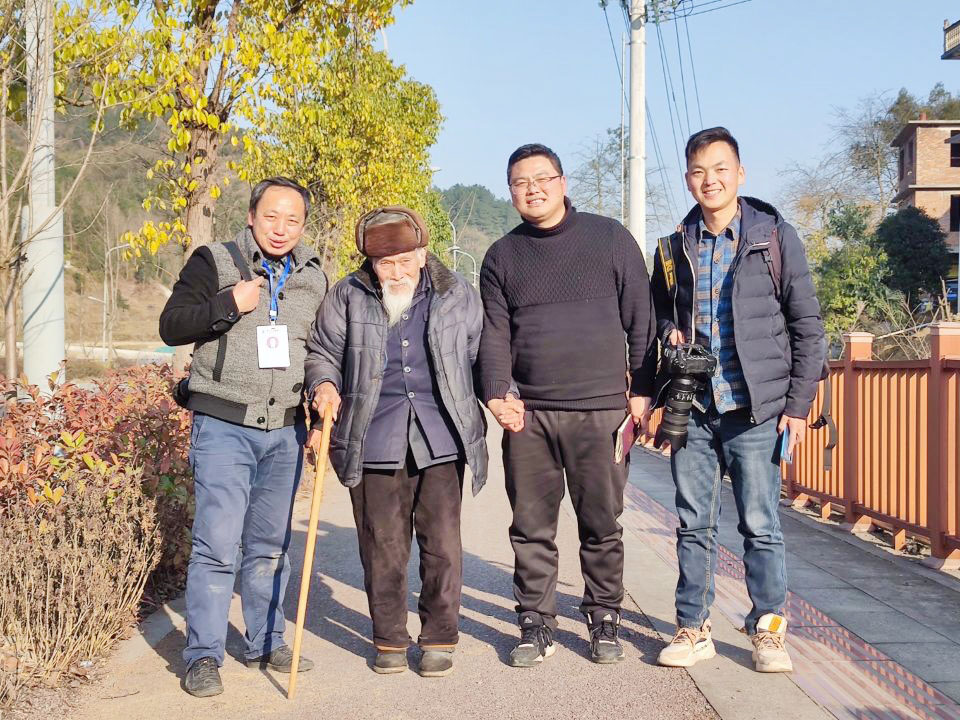 扬大学生团队:寻访百位百岁老人用影像留存历史