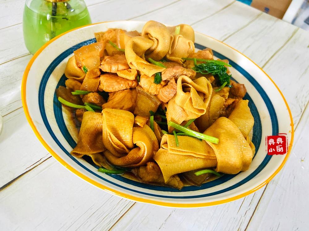 肥而不腻鲜美入味挑食的小孩子也爱吃里面的素菜